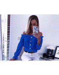 Кокетна дамска риза с паднали рамене в синьо - код 7126