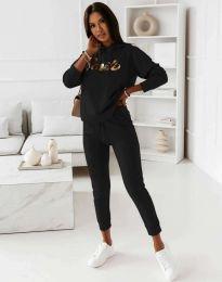 Спортен дамски комплект долнище и горнище с качулка в черно - код 12033 - лице
