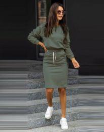 Атрактивен дамски сет блуза с дълъг ръкав и спортна пола в масленозелено - код 0759