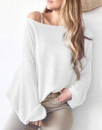 Дамска свободна блуза с паднало рамо от плетиво в бяло - код 4588