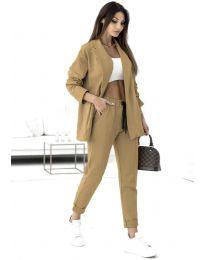 Спортно-елегантен дамски комплект сако и панталон в цвят капучино - код 1661