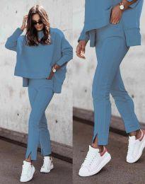 Дамски спортно-елегантен комплект долнище и свободна блуза с дълъг ръкав в светлосиньо  - код 3171